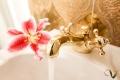 Wasserhahn vergolden
