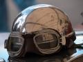 Helm Chrom poliert